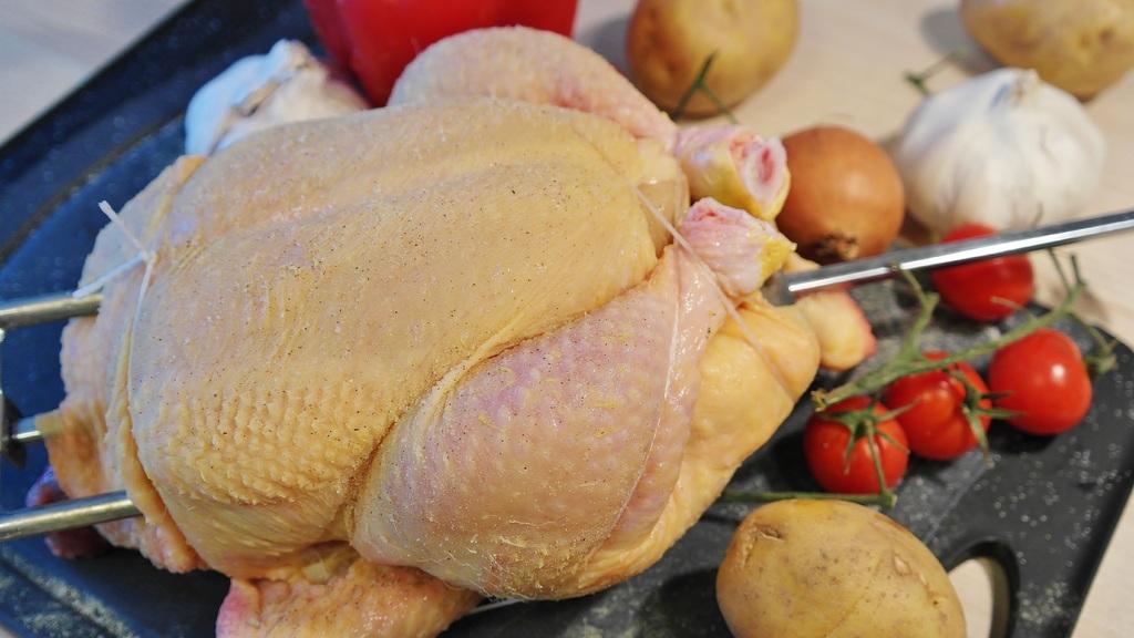 Hoe maak je kip aan het spit