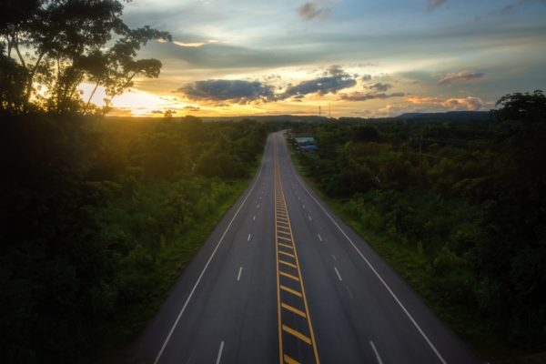 Een auto huren voor je roadtrip in het buitenland